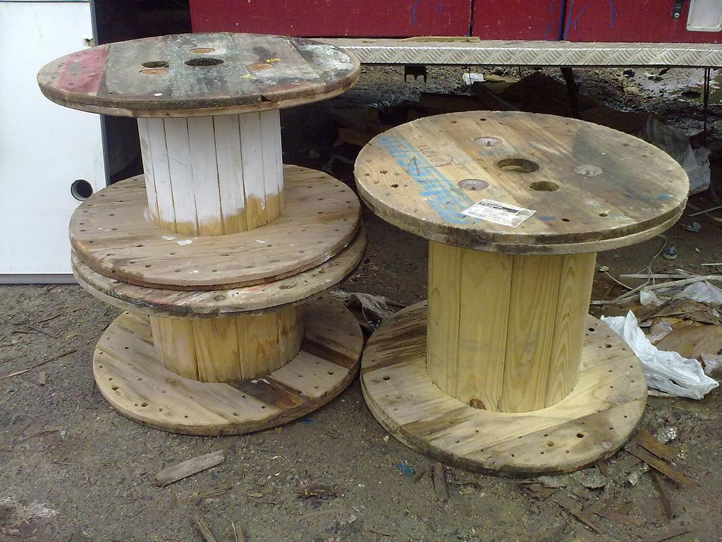 Usado para transporte de fios e cabos os carretéis de madeira tem  #663937 1024x768